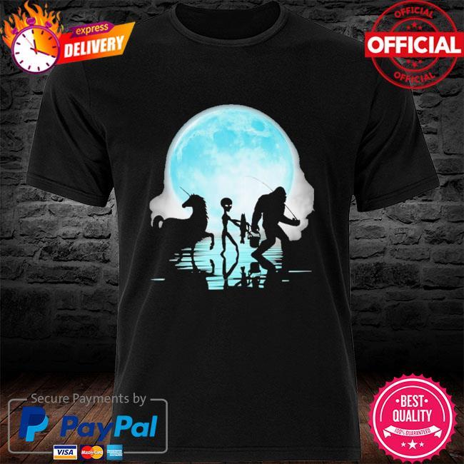 Bigfoot goes fishing with alien and unicorn mom shirt