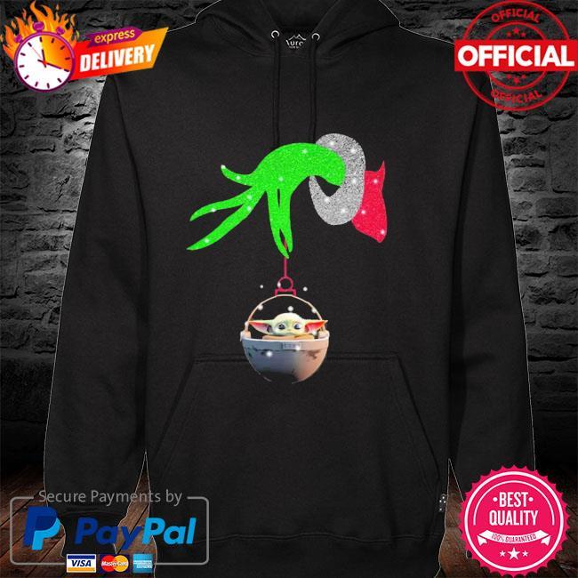 Grinch hand holding Baby Yoda Shirt hoodie
